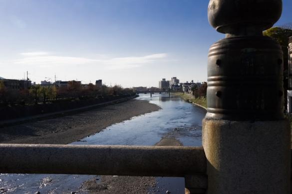五条大橋から眺める鴨川